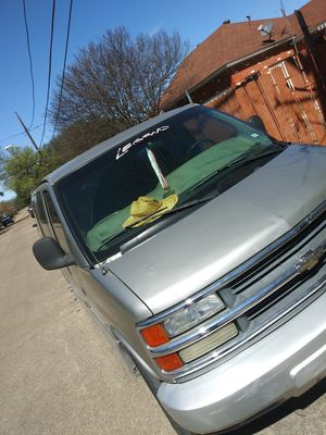 2000 chevy express van for Sale in Dallas, TX