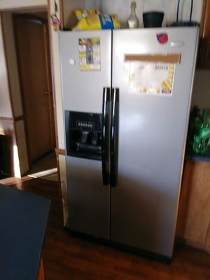 Whirlpool refrigerator for sale for Sale in Jefferson City, MO