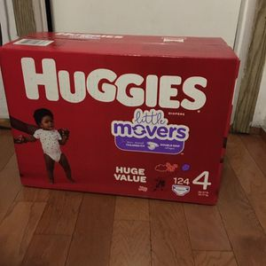 HUGGIES SIZE 4 124 pañales for Sale in Compton, CA