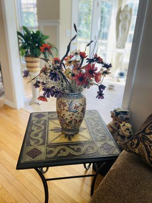 Table with vase for Sale in Simpsonville, SC