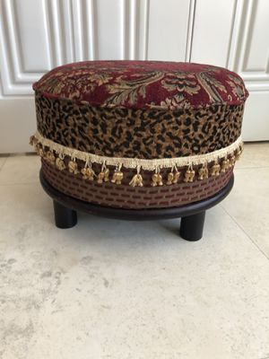 Decorator Sitting Stool for Sale in Las Vegas, NV
