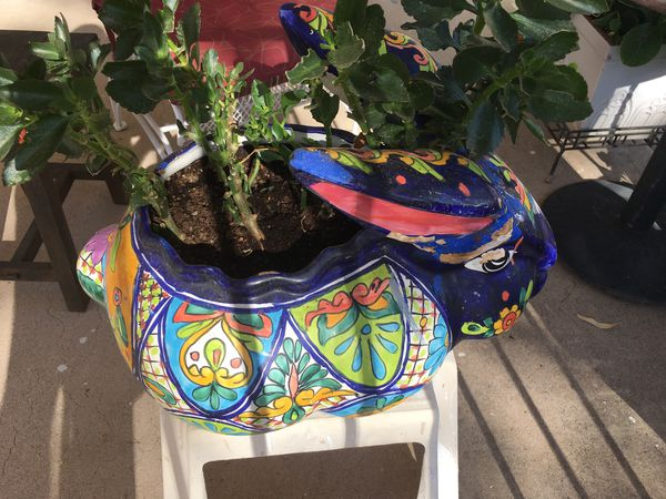 Large ceramic bunny rabbit pot