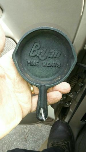 Bryans Fine Meats Collectable Ash Tray for Sale in Meridian, MS