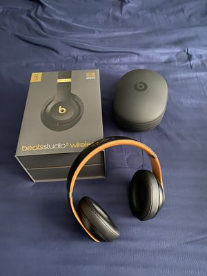 Beats studio 3wireless for Sale in Bradenton, FL