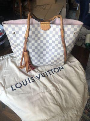Louis Vuitton PROPRIANO handbag for Sale in Bridgeville, PA