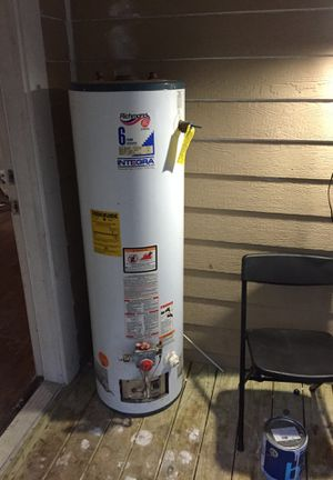 Gas water heater tires whit rims and refrigerator for Sale in Port Neches, TX