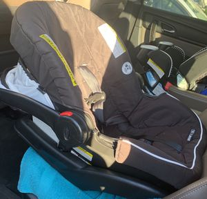 Graco infant car seat for Sale in Manassas, VA