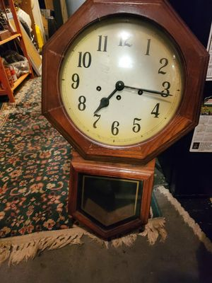 Antique Clock with pendulum not sure if it works or not can not find a manufacturer's name for Sale in Bensalem, PA