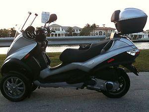 PIAGGIO MP3 Scooter for Sale in Pompano Beach, FL