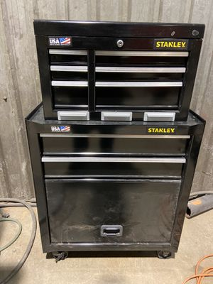 Stanley tool box with 2 Keys for Sale in Cypress, TX