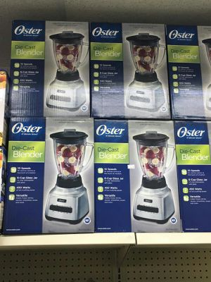 Oster® Classic Series Consistent 10-Speed Blender - Die Cast - Glass Jar for Sale in Houston, TX
