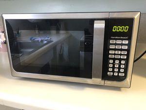 Like New Hamilton Beach Microwave for Sale in Winter Park, FL