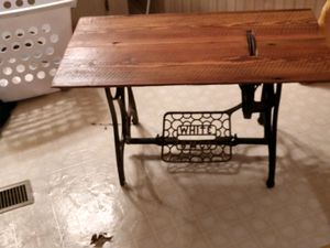 White sewing machine table 1917 with reclaimed antique barn wood for Sale in Gaston, SC