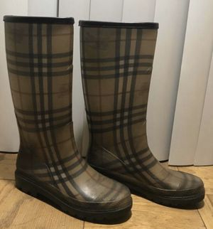 Authentic Burberry Rain Boots 8.5/9 for Sale in LUTHVLE TIMON, MD