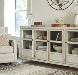 Deanford Antique White Accent Cabinet by Ashley💐New Brand, 💤💢 for Sale in Greenbelt,  MD