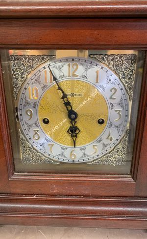 Antique Howard Miller clock for Sale in Angleton, TX