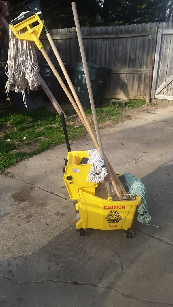 Janitoral commercial mop bucket and two attachments