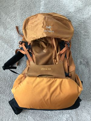 Arc'teryx Altra 65 hiking backpack for Sale in Chuluota, FL