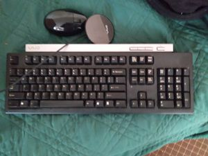 sony vio wireless key board with charger and mouse goes fa 120 looking fa r0/bo for Sale in Somerville, MA