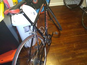 For sale nice road bike ready to race ,no mechanical problems for Sale in NEW CARROLLTN, MD
