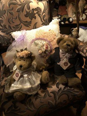 Boyd Bride and Groom Set for Sale in Georgetown, TN