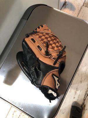 Mizuno baseball glove for Sale in Rancho Cucamonga, CA