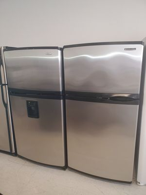 🔥🔥top and bottom refrigerator 33inches wide in excellent condition 90 days warranty 🔥🔥 for Sale in Mount Rainier, MD