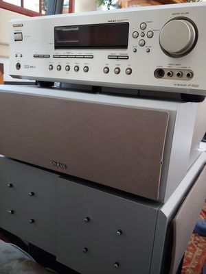 Onkyo HT R520 Surround System for Sale in Chula Vista, CA