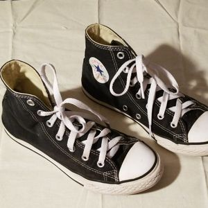 Converse hightop shoes youth's size 3 for Sale in Murfreesboro, TN