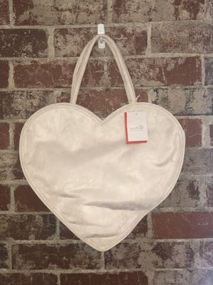 erin fetherston for target heart shaped tote bag for Sale in Atlanta, GA