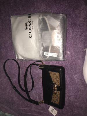 COACH JADE SHLDR BAG IM/KHAKI/BlACK for Sale in Chicago, IL