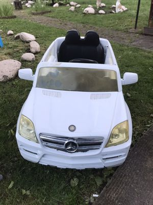 Mercedes Benz kids electric car for Sale in Portland, OR