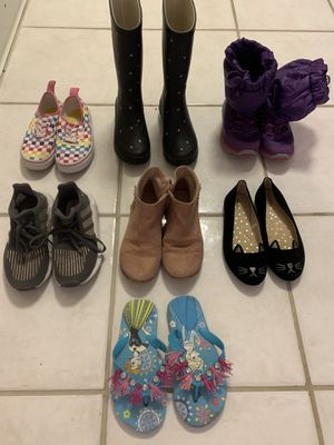 Size 1 girl shoes for Sale in Shorewood, IL