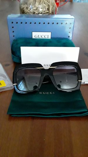 Women's Gucci sunglasses gg0484s for Sale in Los Angeles, CA