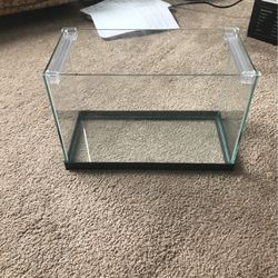 2gallon Fish Tank 12in By 6in 8in Tall for Sale in Madison,  MS