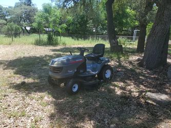 Riding lawn mower for Sale in San Antonio,  TX