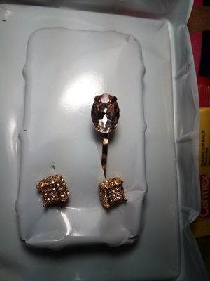 18 kaurt GOLD PLATED Diamond STUD EARRINGS VINTAGE BOBBY PIN WITH CRYSTAL for Sale in Post Falls, ID