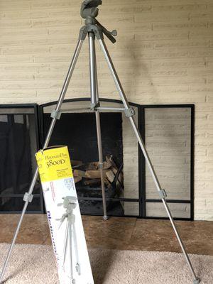 Tripod, Platinum Plus 5800D by Sunpak for Sale in Tacoma, WA