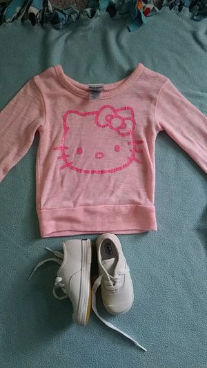 3t hello kitty sweater for Sale in Cleveland, OH