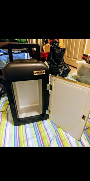 Vector Mini Fridge Cooler / Warmer with AC / DC Converter for Sale in Wells, ME