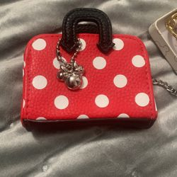 Small Minnie Coin Wallet Firm 10$ New for Sale in Spring Valley,  CA