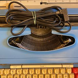 Wards Signature 812D Typewriter  for Sale in Rancho Cordova, CA