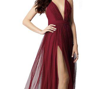 Women's Elegant Prom Dresses deep v-Neckline Back Tulle Sleeveless Long for Sale in Chicago, IL
