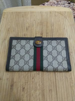 GUCCI • Tri-Fold WALLET • GREAT SHAPE • for Sale in SeaTac, WA