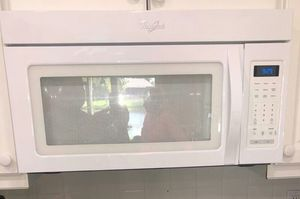 Whirlpool Microwave works great for Sale in Tamarac, FL