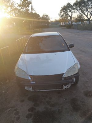 2005 Honda Civic needs front bumper. Cold ac automatic for Sale in Deerfield Beach, FL