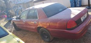 Title 42 Special Runs Drives 2000 Ford Crown Victoria for Sale in Edmond, OK