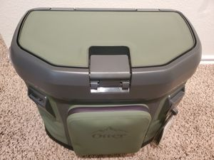 OTTERBOX TROOPER 20 Soft Cooler for Sale in Dallas, TX