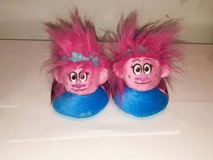 Gently used Trolls Poppy slippers toddlers size 11/12 for Sale in Plymouth, MA