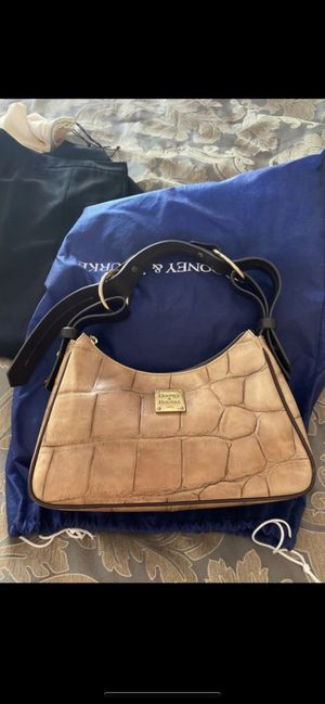 Tan Dooney and Bourke purse for Sale in Glendale, AZ